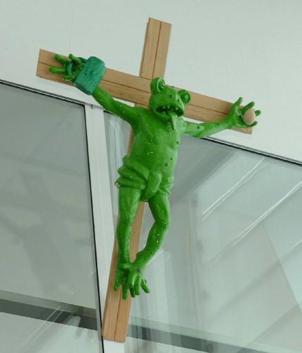 Martin Kippenberger's 'Zuerst die Füsse', a crucified green frog